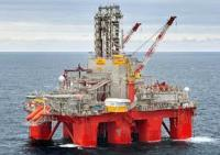 The Transocean Spitsbergen drilling rig.-2