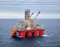 The Transocean Spitsbergen drilling rig (photo: Kenneth Engelsvold)
