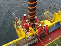 Trelleborg survey - vertical connection of floating hoses